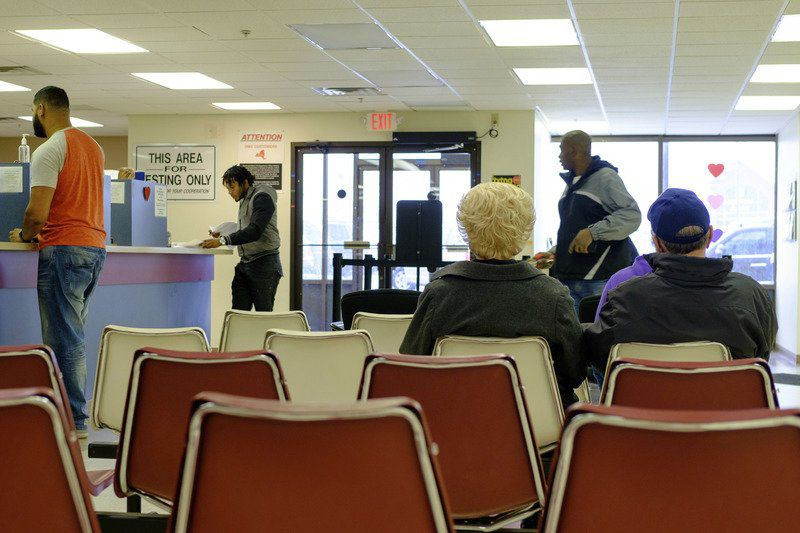 Clerks say local dmv offices are losing money local news for Department of motor vehicles chicago