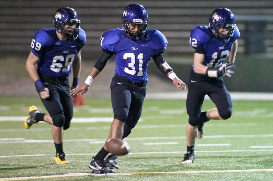 Tigers clinch first football playoff berth since 2009