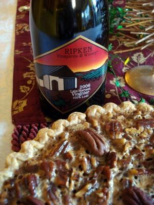 2006 Ripken Vineyards Late Harvest Viognier with pecan pie