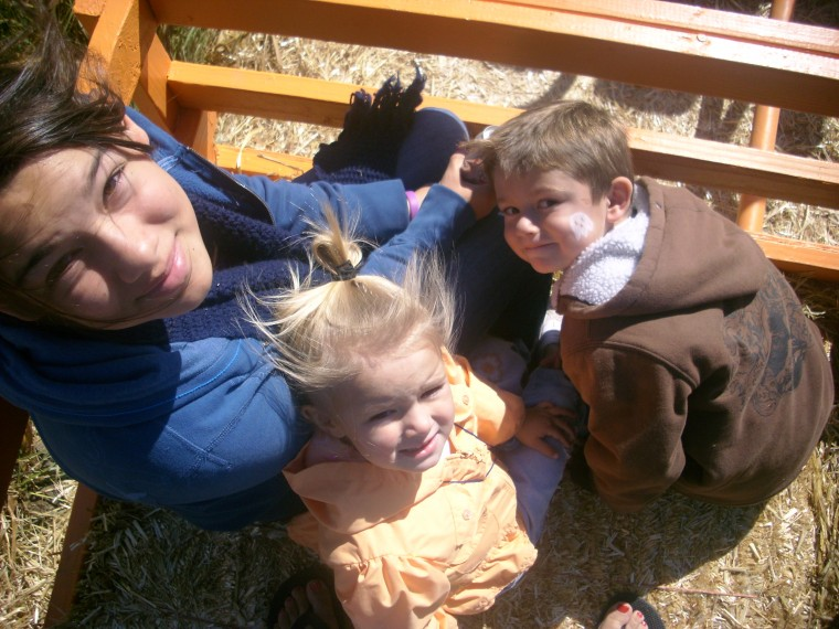 Savannah, Hunter and Sierra at Phillips Farm