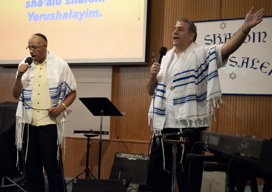 Beth Hallel Messianic Fellowship's 10th anniversary worship