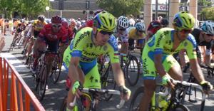 Mark Cavendish wins tight finish as Lodi cheers Amgen Tour of California