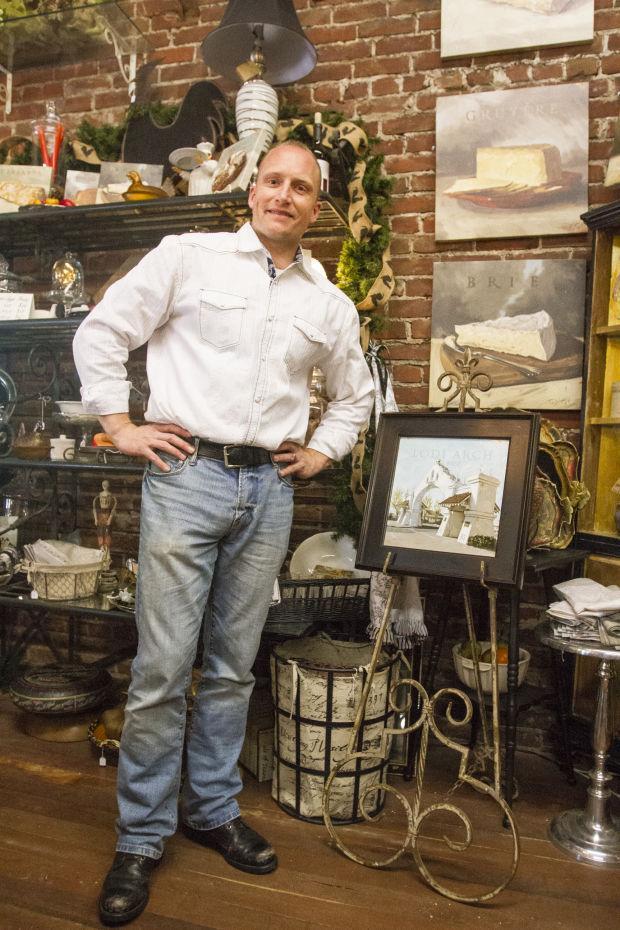 Artist Darren Gygi visits Lodi to sign his work