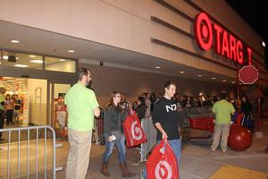 Lodi shoppers turn out on Thanksgiving to get best deals on Christmas gifts