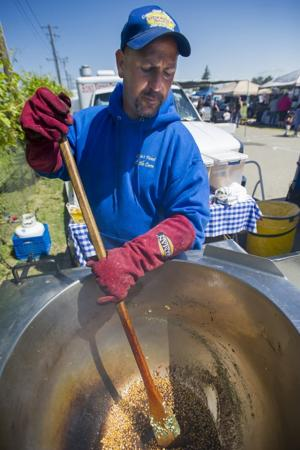 Deals have crowds hopping at Lodi flea market