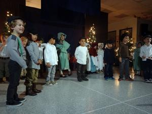 Lodi Montessori students perform in holiday play