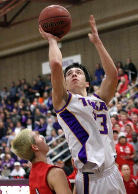 Trevor Mabalon catches fire, Tokay Tigers cool off Lodi Flames