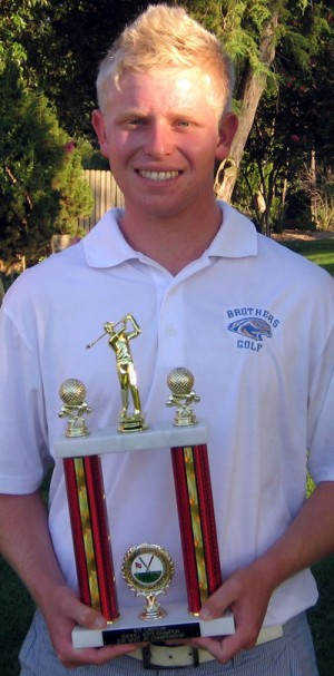 Kit Carson defends junior golf title