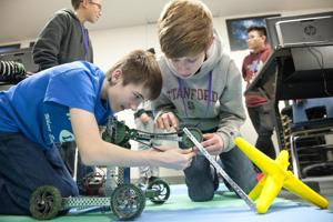 Tech tinkering to send Lodi students to Google robotics competition