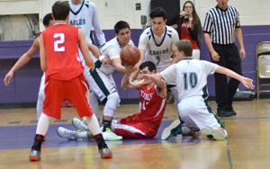 Boys basketball: Wolves stop Eagles' comeback bid in final minutes