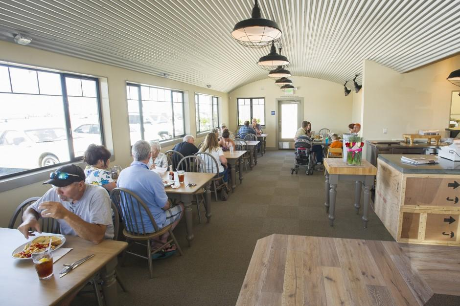 Lodi Airport Cafe reopens