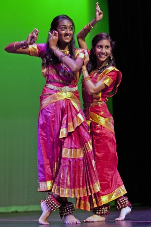 Lodians entertained by East Indian dancing