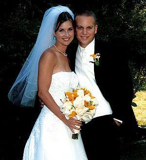 Hust, Kelsey wed in Morris Chapel last June