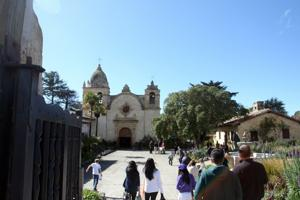 Check out museums, learn the history of San Carlos Borroméo de Carmelo Mission