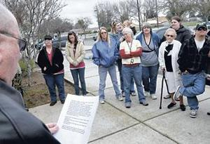 Committee plants rose bushes in memory of four Galt officials