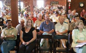 Area growers meet, discuss new pest