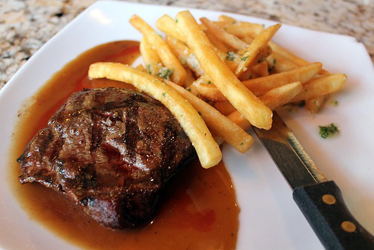 Steak, pasta, seafood at Lodis Twisted Fork offers cozy, friendly dining experience
