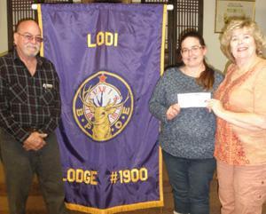 Lodi Elks donate to the Lodi Boys and Girls Club