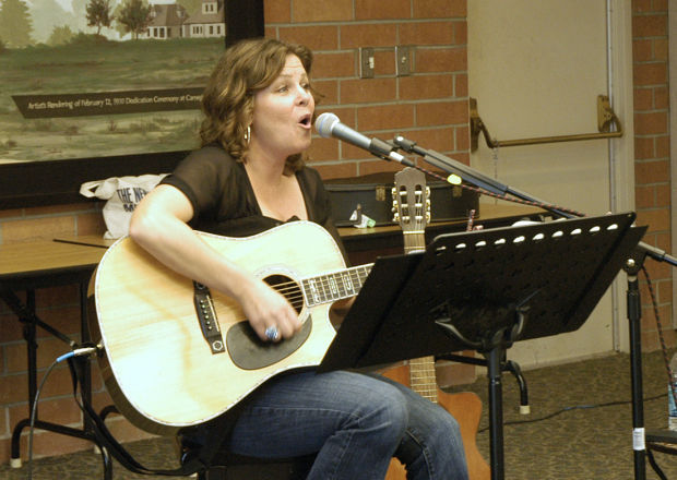 Jennifer Lind performs at the Lodi Library