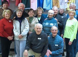 Vinewood Community Church volunteers help feed the needy