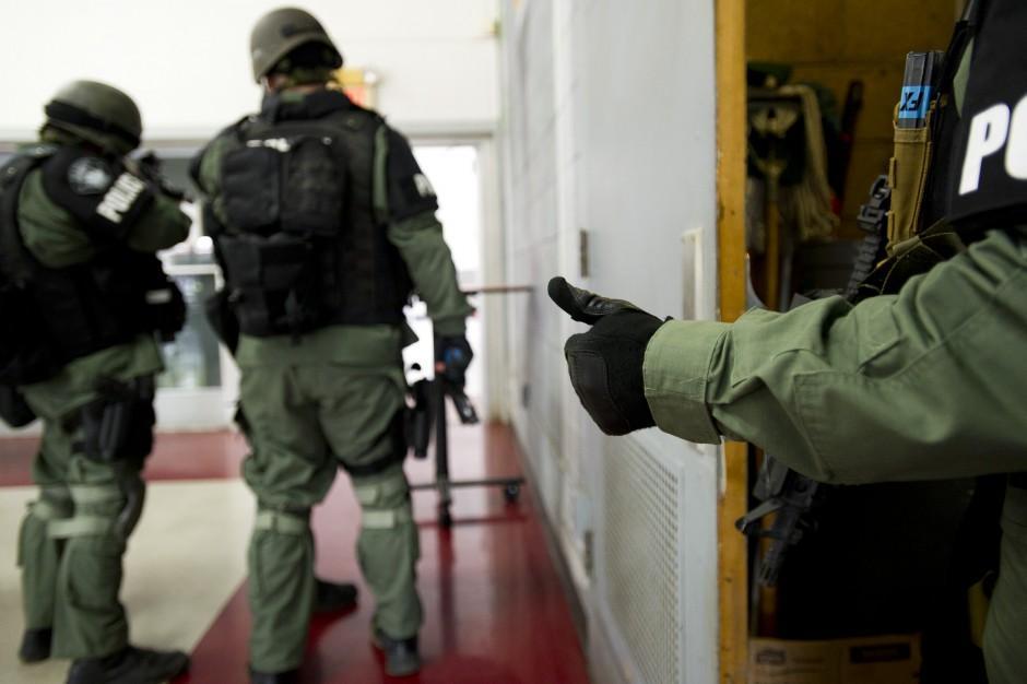 Area SWAT teams use Lodi High School campus for practice