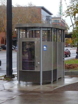 Lodi merchants divided on downtown restroom proposals