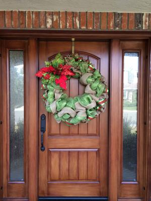 Lodi wreath thief still at large