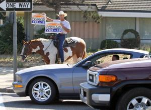 Cowboy rides through Lodi, pushing legalization of marijuana