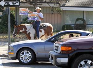 Cowboy rides through Lodi, pushing legalization of marijuana