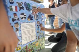 Heritage Elementary School students create bench in honor of Miranda family killed in crash
