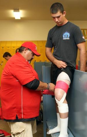 Lodi's Cody Edsell refuses to let a shattered knee sideline him in senior season