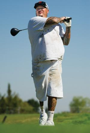 Amputee golfer Mike McLatchy keeping his drive alive — on and off the course
