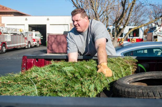 Lodi Police Department gives away Christmas trees