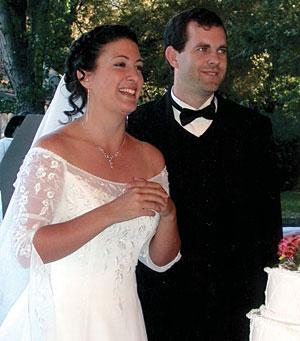 Roche, Kemalyan wed in October