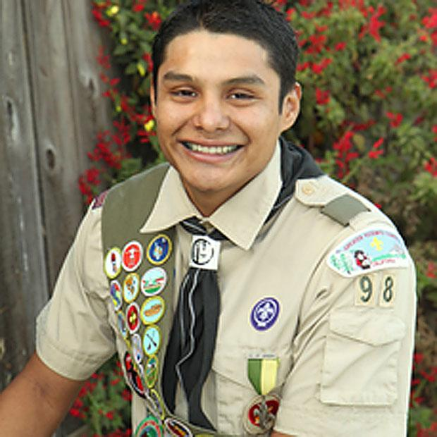 Bili de Jesus Lopez earns Eagle Scout award