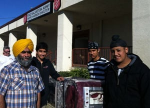Sikhs reach out to Lodis homeless