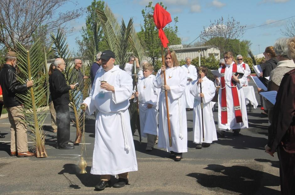 St. John's Episcopal Church marks Palm Sunday