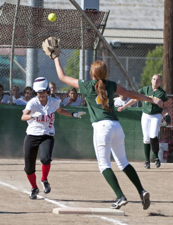 Lodi's Brianna Mendez makes early runs hold up