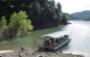 Lake Shasta Caverns offers tours, boat rides and dinner cruises