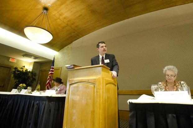 Congressional candidate John McDonald speaks to Lodi Republican Women