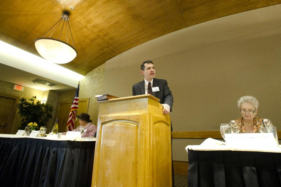 Congressional candidate John McDonald speaks to Lodi Republican Women