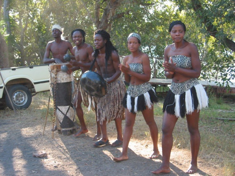 Zambezi River Cruise Greeters