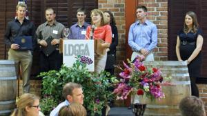 Lodi-area grape growers meet during annual dinner