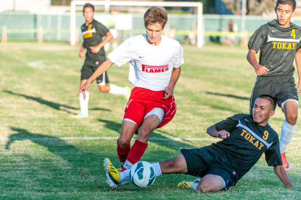 Boys soccer: Flames's Nate Devine wins San Joaquin Athletic Association's Offensive MVP award
