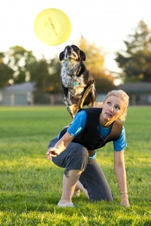 Canines compete in Golden State Disc Dog Championship