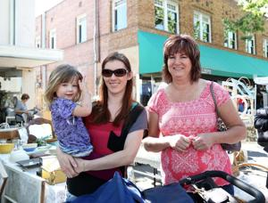 Crowds gather in Downtown Lodi for Street Faire