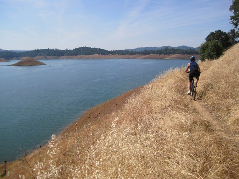 Mountain biking in Melones