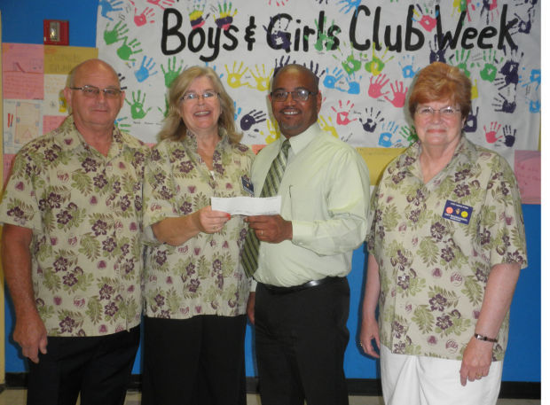 Lodi Elks Lodge donates to Lodi Boys and Girls Club