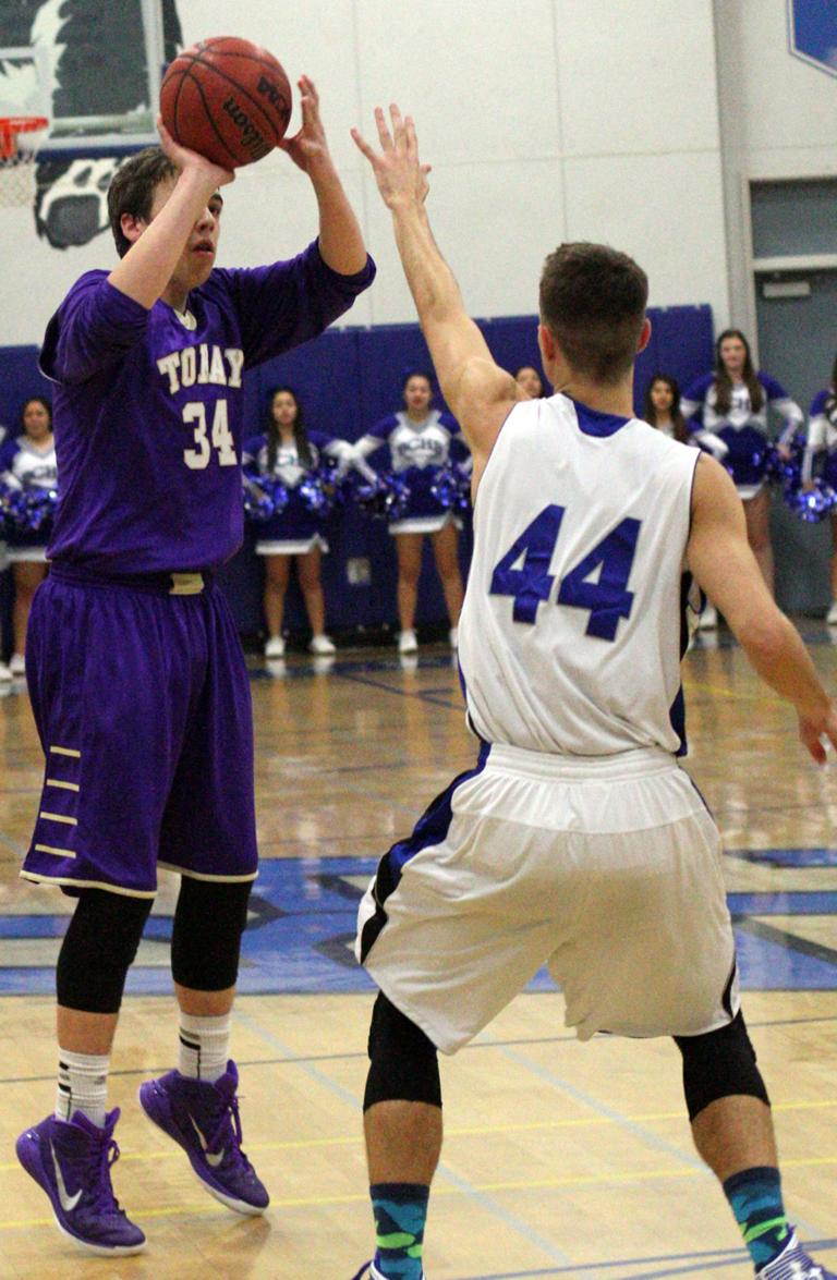 Boys basketball: Tigers finish strong in win over Bruins