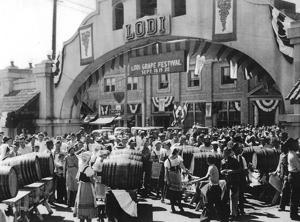 Photo: Lodi celebrates at the 1936 Grape Festival